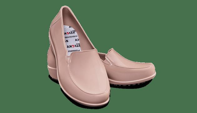 31723df52 Calçado antiderrapante. Sticky Shoes é um calçado antiderrapante para ...